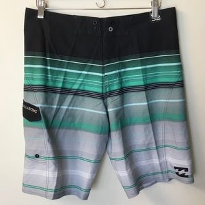 NWOT Billabong Platinum X Striped Boardshorts - 32